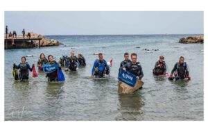 Force Blue Team Helps Organize Curaçao Underwater and Beach Clean-up